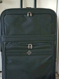 Excellent Suitcases for Sale in Everett,  WA
