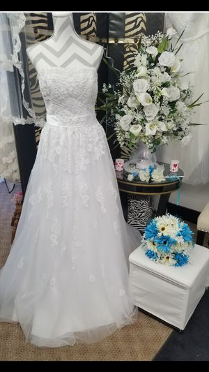 Wedding Dress for Sale in Lincoln, IL