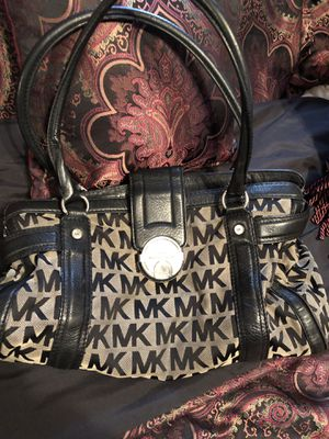 Michael Kors bag for Sale in GLOUCSTR CITY, NJ