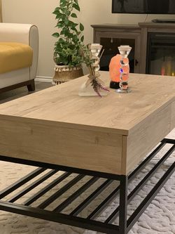 Coffee table vintage oak for Sale in Bruceville,  TX