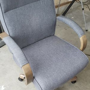 Office Chair for Sale in Puyallup, WA