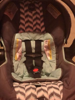 Infant Car seat Evenflo (brand) for Sale in Austin, TX