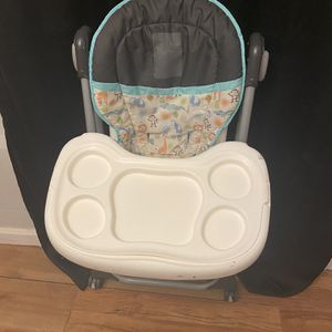 High chair for Sale in Mableton, GA