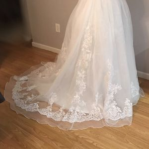 Wedding dress-white for Sale in Westland, MI
