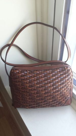 Brown weave purse, Beautiful for Sale in Harrisonburg, VA