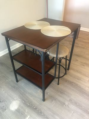 Dining table for Sale in Rochester, MI