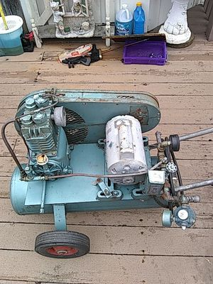 R4440 1hp air compressor for Sale in O'Fallon, MO