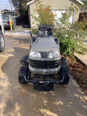 Craftsman LT2000 Lawn Tractor for Sale in Corona, CA