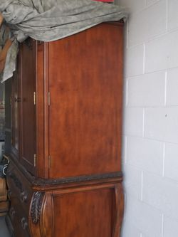 Beautiful Antique Kitchen Cabinet Nook for Sale in Haines City,  FL
