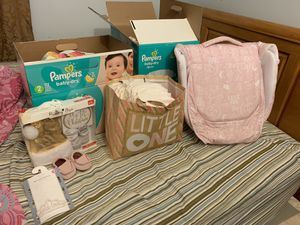 Baby girl bundle for Sale in Hartford, CT