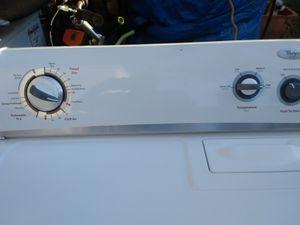 Secadora de gas. Whirlpool en buenas condiciones for Sale in Perris, CA