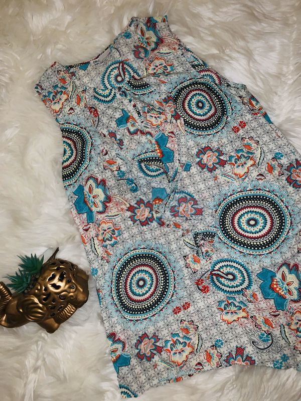 MOVING & CLOSEOUT SALE !!! New Beautiful pattern holiday blouse for sale !!!