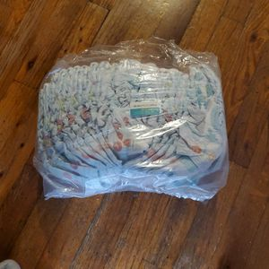 Pampers CRUISERS SIZE 7 for Sale in Brooklyn, NY