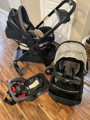 Stroller/car seat with bottom base for Sale in Las Vegas, NV