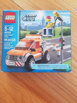 Lego City Light Repair Truck Kit 60054 for Sale in Moses Lake,  WA