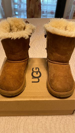 Toddler Ugg boots for Sale in Orange Cove, CA