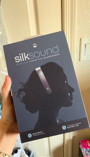 Wireless Headphones - silksound for Sale in Tucson, AZ