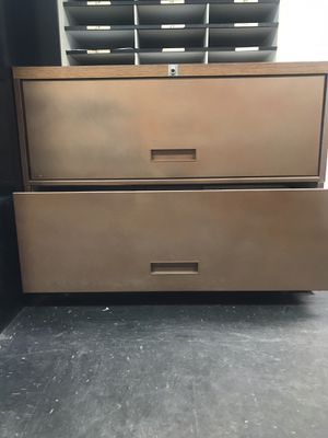 2 Drawer Filing Cabinet for Sale in Monroeville, PA