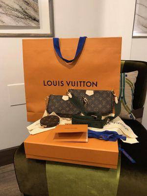 Authentic Louis Vuitton multi pochette new in box for Sale in Diamond Bar, CA