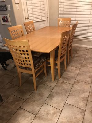 Table and Hutch for Sale in Pearland, TX