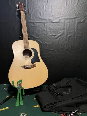 Garrison AG-200 Acoustic Guitar w/Bag and Stand. for Sale in Milwaukee, WI