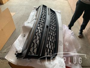 03-06 Silverado HD Grille z71 Style complete with moldings for Sale in Los Angeles, CA