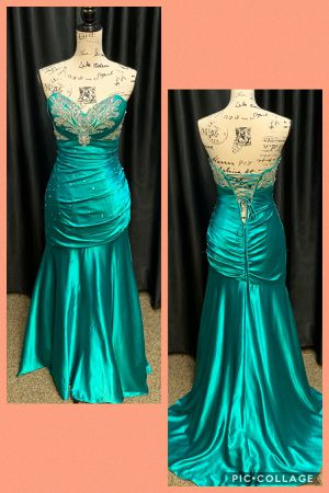 Prom dress for Sale in North Bergen, NJ