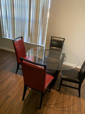Glass top kitchen table w 2 Black & 2 red chairs for Sale in Miramar, FL