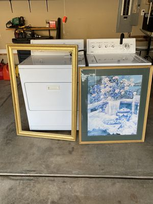 Two gold color picture frames for Sale in Cornelius, NC
