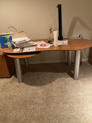Desk & filing cabinet for Sale in Wayne, PA