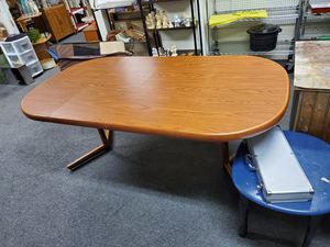 Dining table with 2 leaves. for Sale in Erie, PA