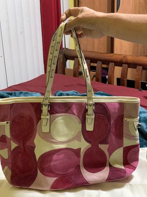 Coach purse in good condition with pouch bag for Sale in Huntington Park, CA