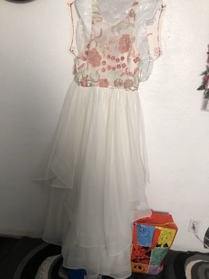 White and flower prom dress for Sale in Dublin, CA