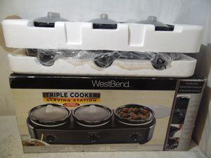 West Bend Triple Cooker Serving Station Slow Cooker 3 Crock Pots MD-QH4501 New for Sale in Lansdowne, PA