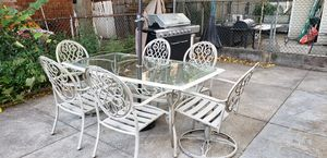 Patio set w/ chairs for Sale in Jersey City, NJ