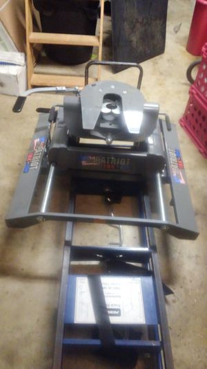 Patriot 18k 5th wheel hitch for Sale in Hendersonville, TN