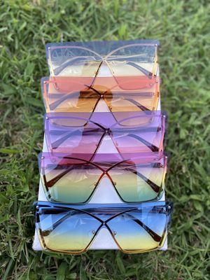 Women's colored ombré sunglasses frames for Sale in Laurel, MD