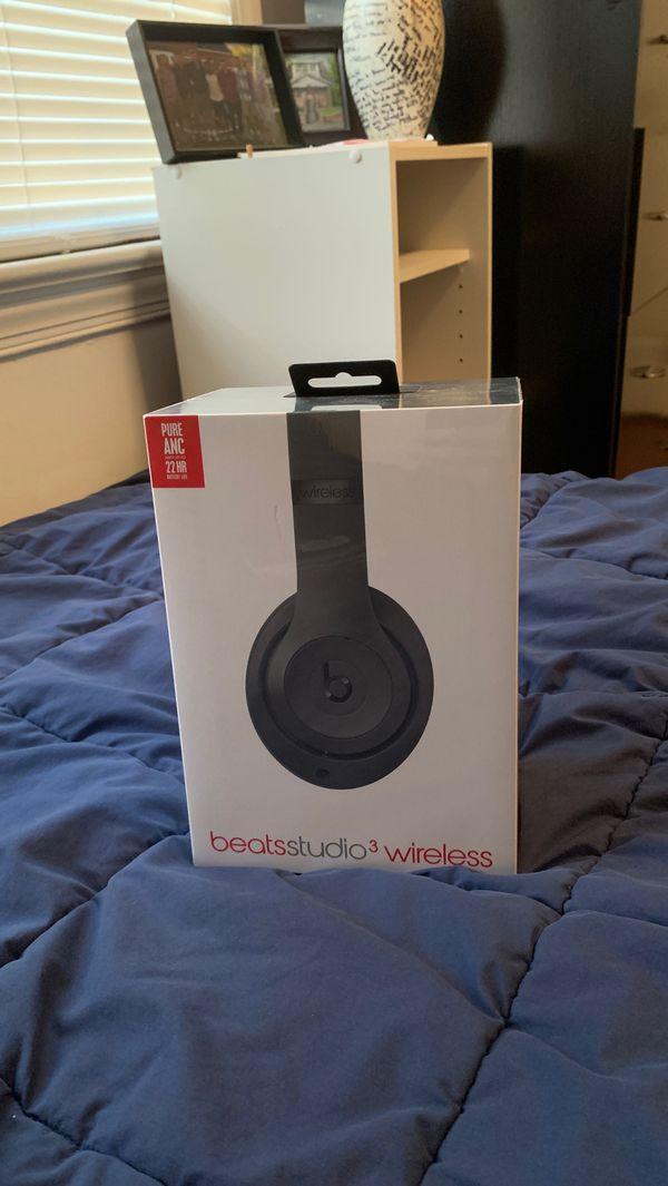 Beats by Dr. DreStudio3 Wireless Over the Ear Headphones