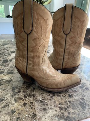 Coral Boots Size 7.5 Genuine Leather for Sale in Lutz, FL