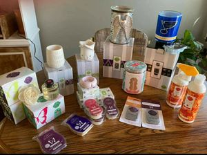 Scentsy wax warmers diffusers buddies body care laundry clean care pet care and more for Sale in Palm Harbor, FL