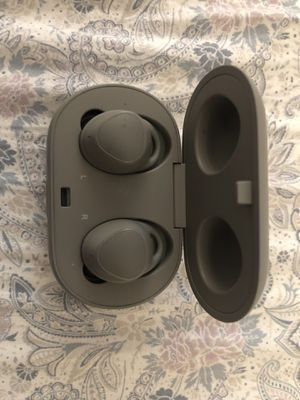 Samsung gear iconx wireless earbuds - gray for Sale in Alexandria, VA