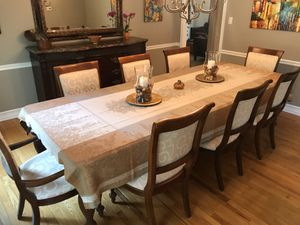 Dining Room Set: Bernhardt Buffet, Stanley Dining Table & 8 Chairs, Mirror for Sale in West Windsor Township, NJ