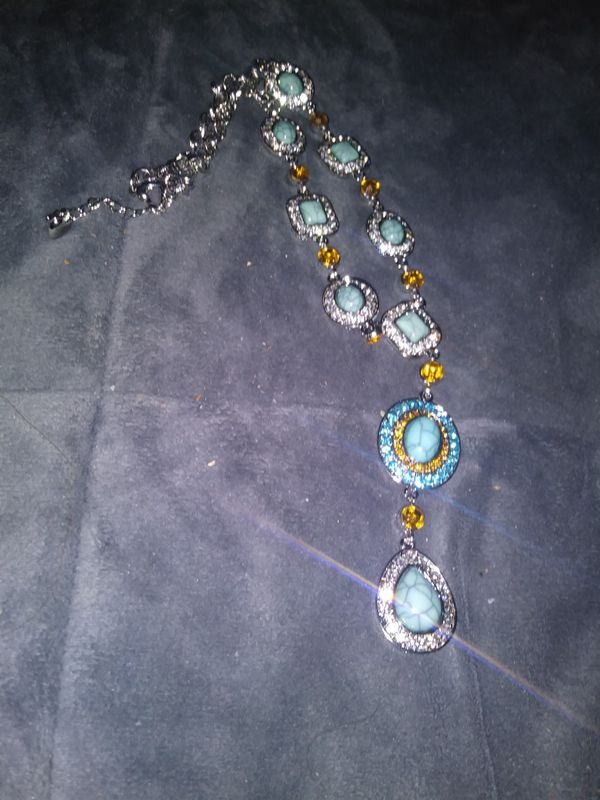ABSOLUTELY LOVELY SILVER TEARDROP TURQUOISE...CITRINE AND PERIDOT NECKLACE...FROM THE SOUTHWESTERN COLLECTION