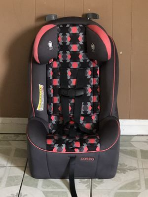 LIKE NEW COSCO CONVERTIBLE CAR SEAT for Sale in Riverside, CA
