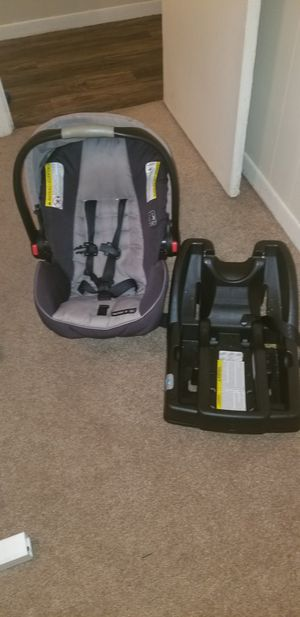 Graco Baby Car Seat for Sale in Lockhart, FL