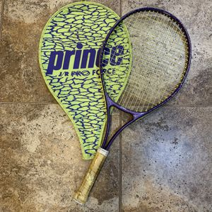 Tennis Racket for Sale in Crystal Lake, IL