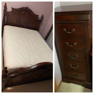 Bedroom Set (Wood) for Sale in Renton, WA