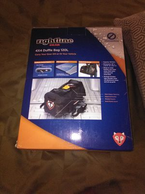 Right lime gear 4 x 4 duffle bag 120l for Sale in Modesto, CA
