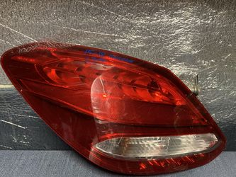 2015 2016 2017 2018 Mercedes C300 taillight tail light for Sale in Rancho Cucamonga,  CA