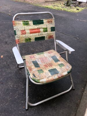 Antique Vintage Lawn Chair for Sale in Saginaw, MI